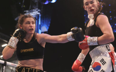 Taylors beats Han in eleventh World title defence